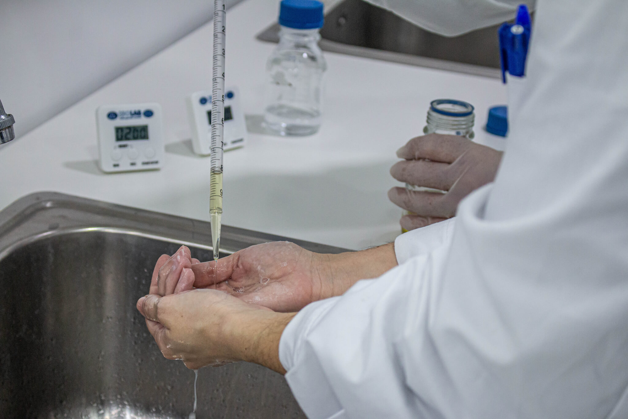 residual effectiveness, ASTM E2752, Standard Guide for Evaluation of Residual Effectiveness, antimicrobial efficacy testing, evaluation of residual efficacy